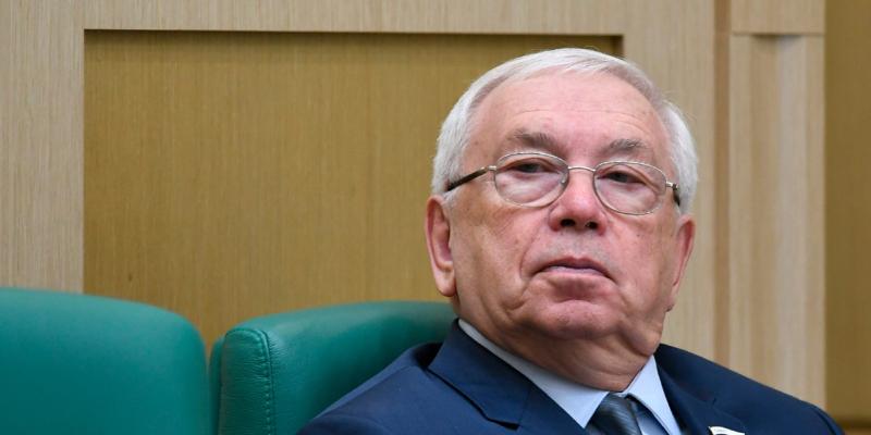 byvshij-ombudsmen-lukin-objavil-ob-uhode-iz-soveta-federacii-a68370c