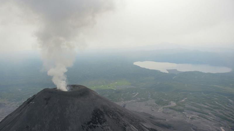 na-kamchatke-v-dvuh-selah-est-ugroza-vypadenija-pepla-iz-za-vybrosa-vulkana-3ded854