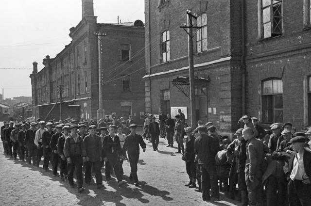 bes-paniki-bylo-li-massovoe-begstvo-moskvichej-ot-nemcev-v-oktjabre-1941-go-9e4b53d