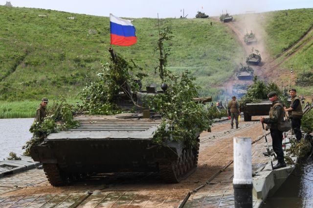 prikinutsja-vetoshju-boevye-mashiny-armii-rf-poluchat-pokrytie-hameleon-a5ae44a