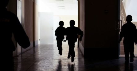 rukovodstvo-shkoly-v-moskve-zajavilo-ob-otsutstvii-paniki-vo-vremja-strelby-16bba5e